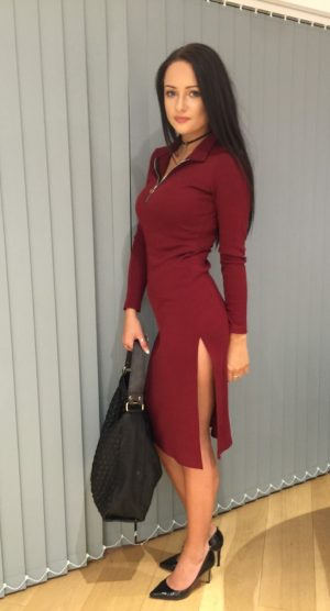 Red Zipped dress with split – front